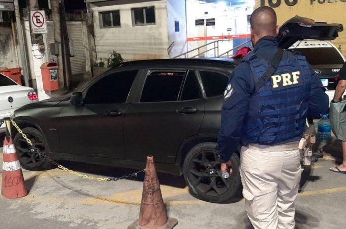 PRF apreende BMW clonada em Angra