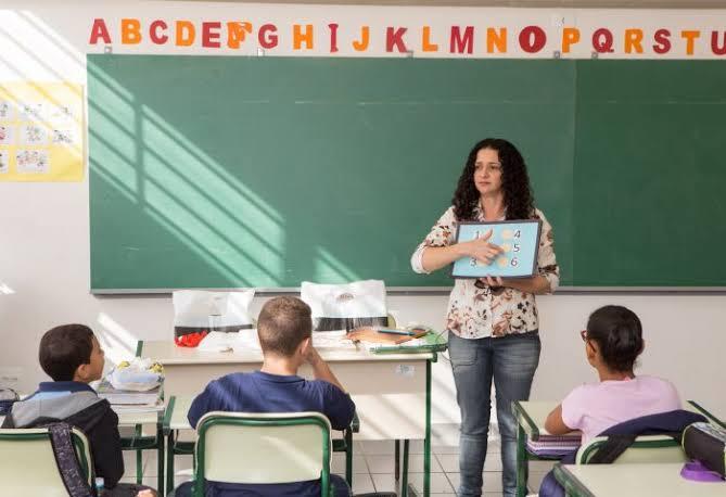 Angra abre processo seletivo para contratação de professores
