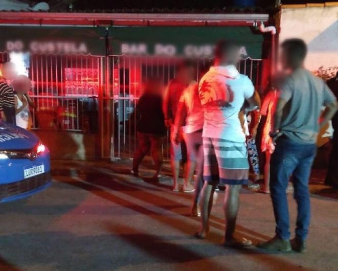 Homem é morto dentro do próprio bar em Angra