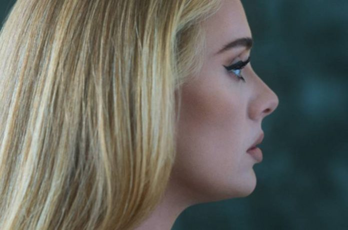 "Adele volta com tudo e confirma o álbum ""30"" para 19 de novembro"